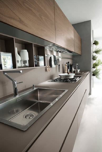 Contemporary kitchen / glass / wood veneer / handleless - SYSTEM ...