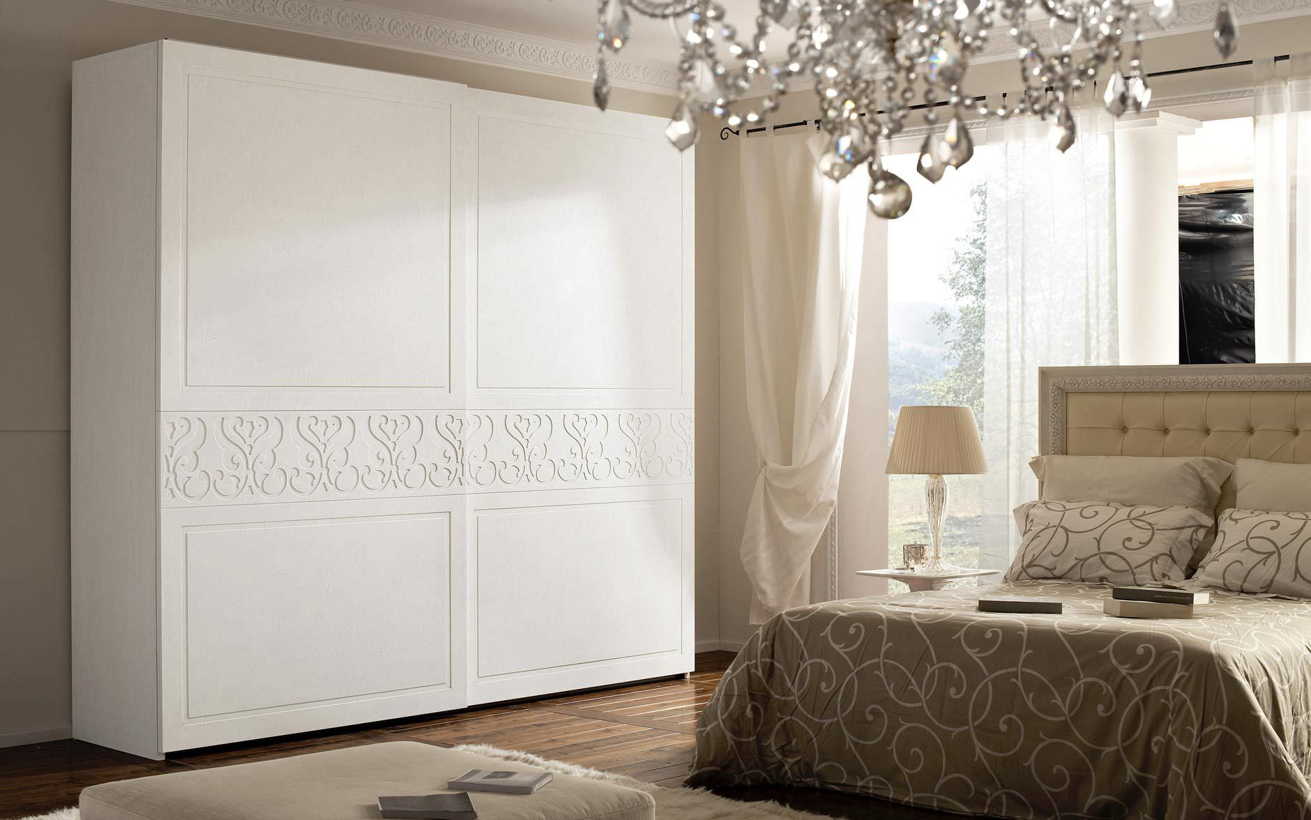 Traditional wardrobe / wooden / sliding door - LILIUM - benedetti ...