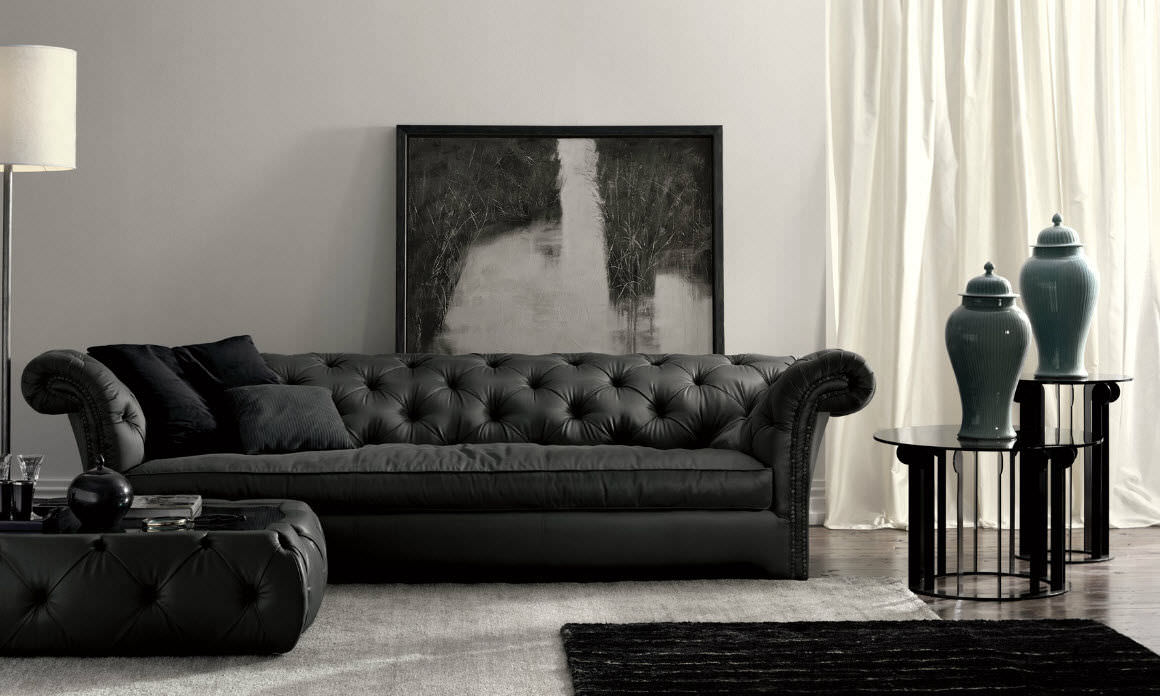 Chesterfield Sofa / Leather / 3 Seater / Black   CHURCHILL DH100