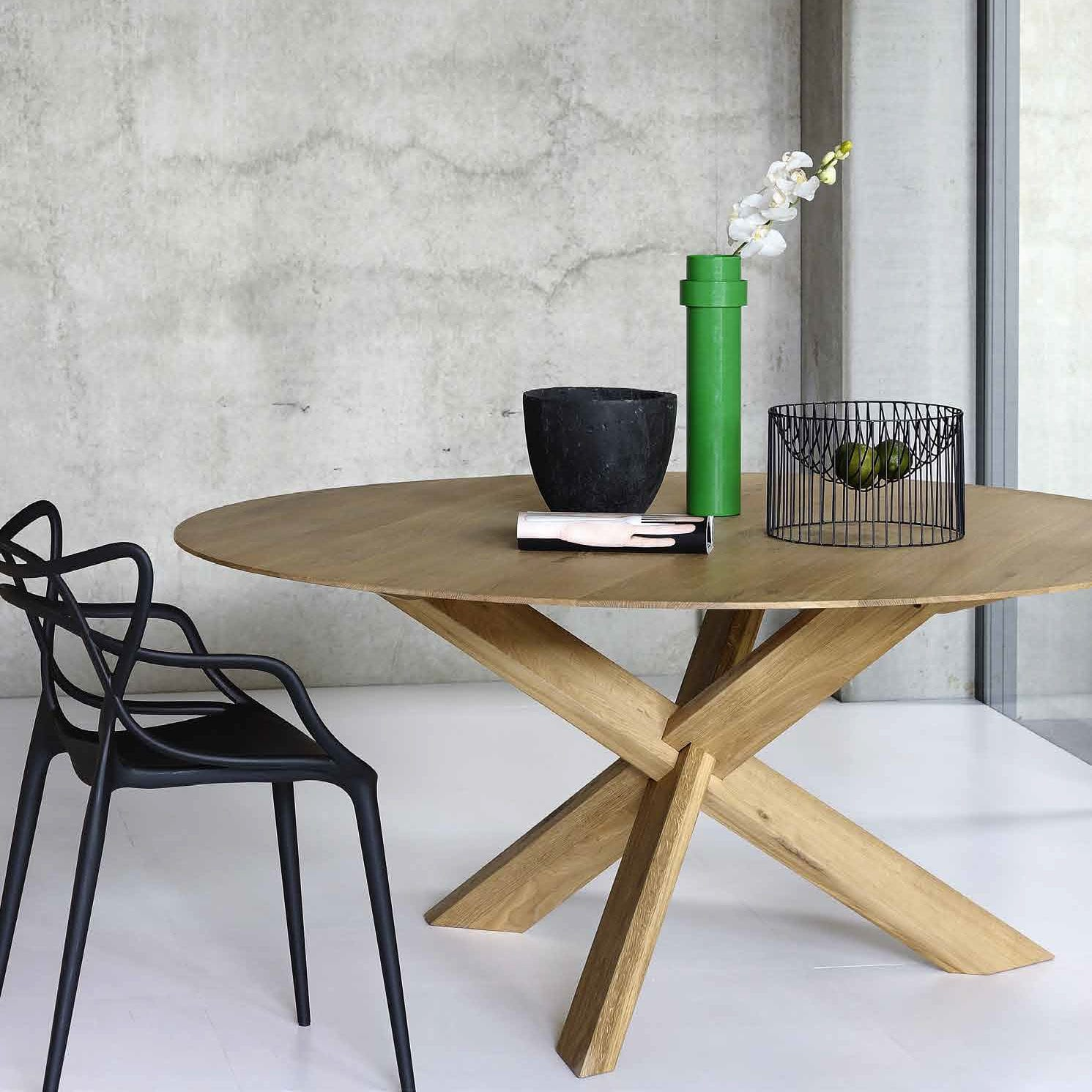 contemporary dining table oak round 50164 by alain van havre - Oak Round Dining Table