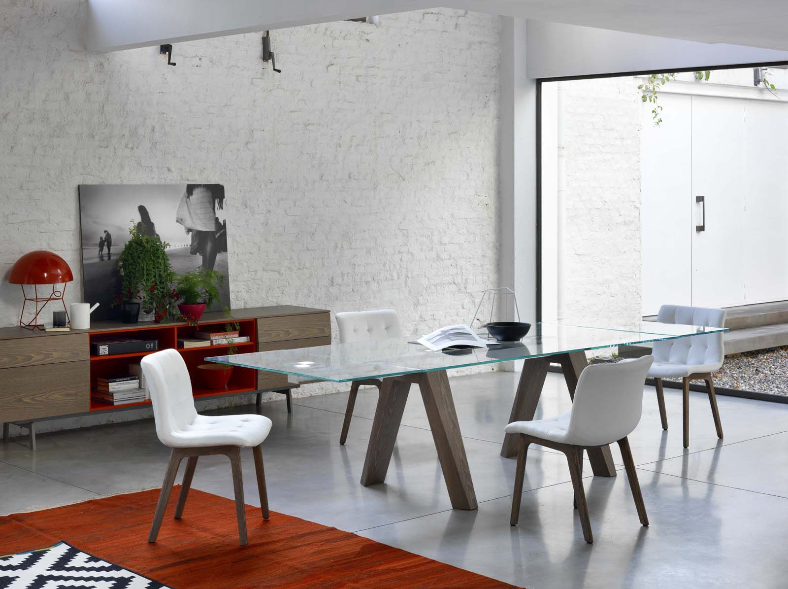 Contemporary table glass rectangular extending aron