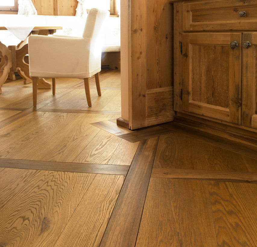Engineered Parquet Flooring / Glued / Floating / Oak   OAK CHARACTER  WIDE PLANK BRUSHED / NATURAL OIL