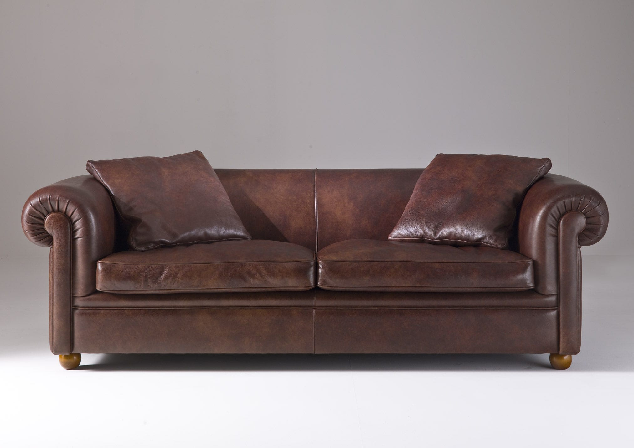 Traditional Sofa Leather Fabric 3 Seater