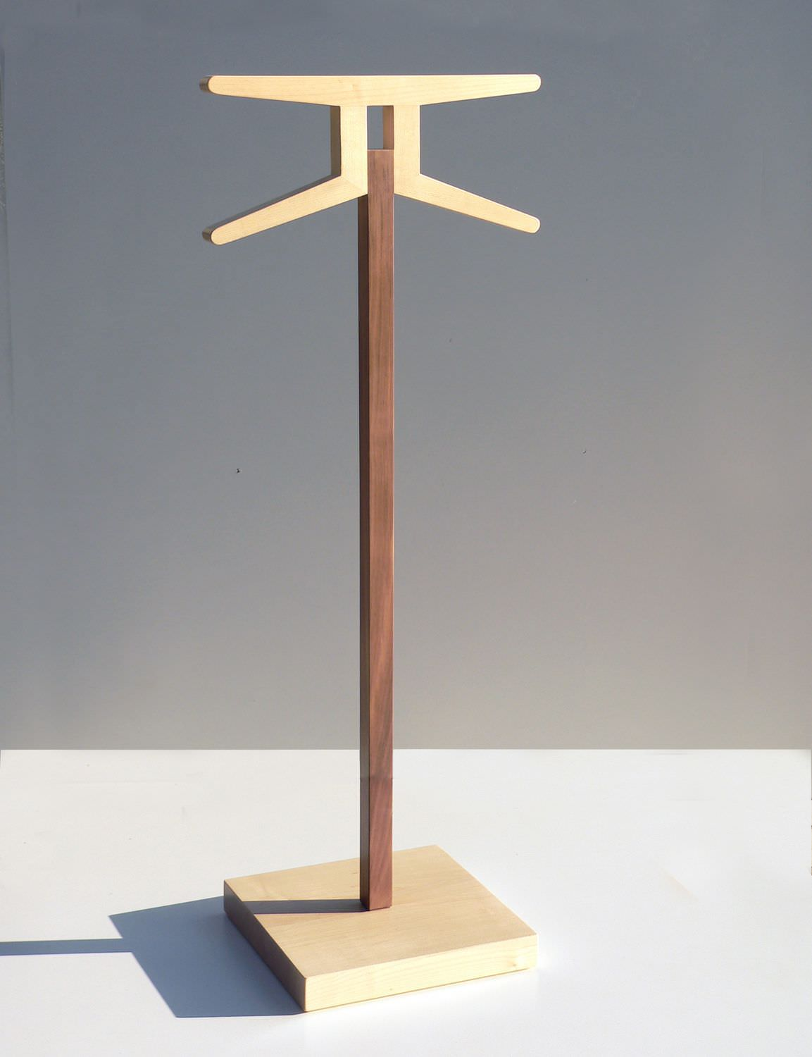 floor-standing valet stand / contemporary / wooden - signs 1