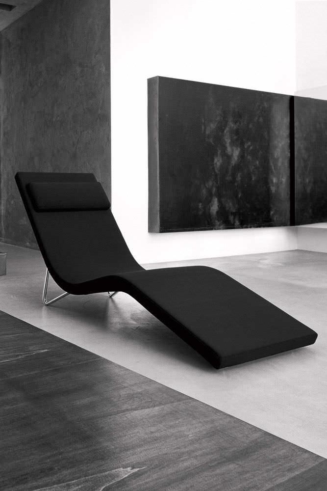 Contemporary chaise longue / fabric - SLALOM by Pietro Arosio - Tacchini