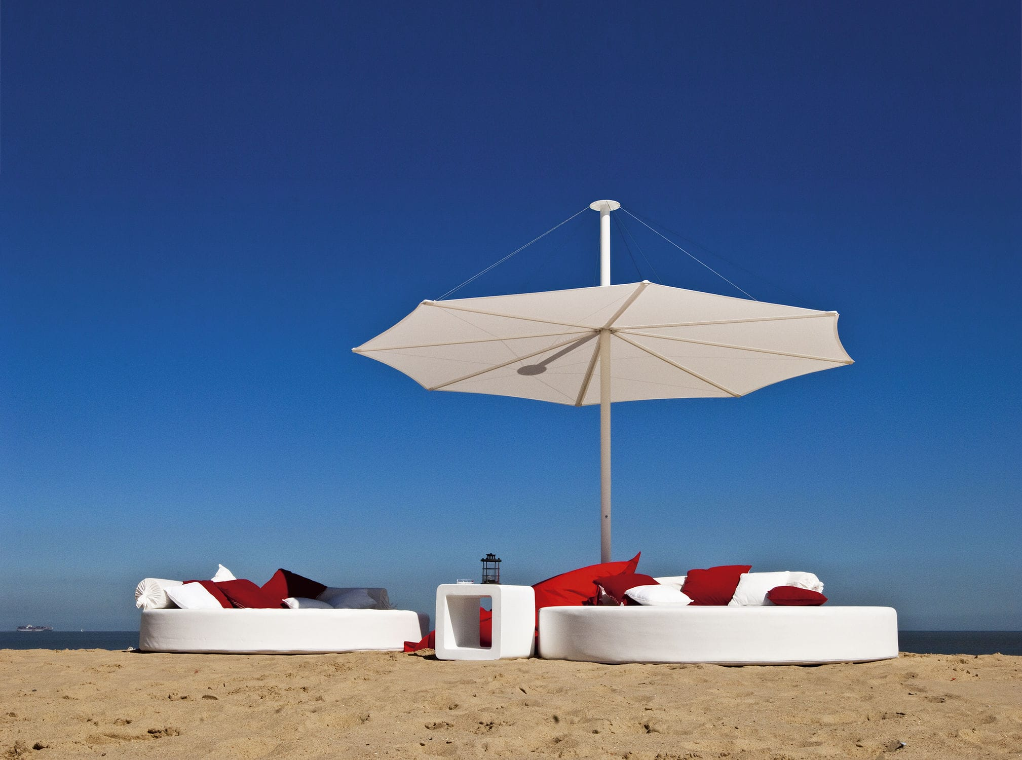 ... Commercial Patio Umbrella / Fabric SOLIS Symo Parasols ...