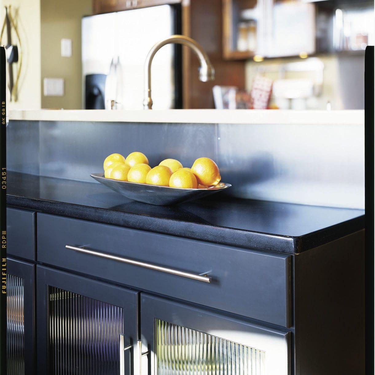 Silestone® countertop / kitchen / black - NEGRO TEBAS - Cosentino