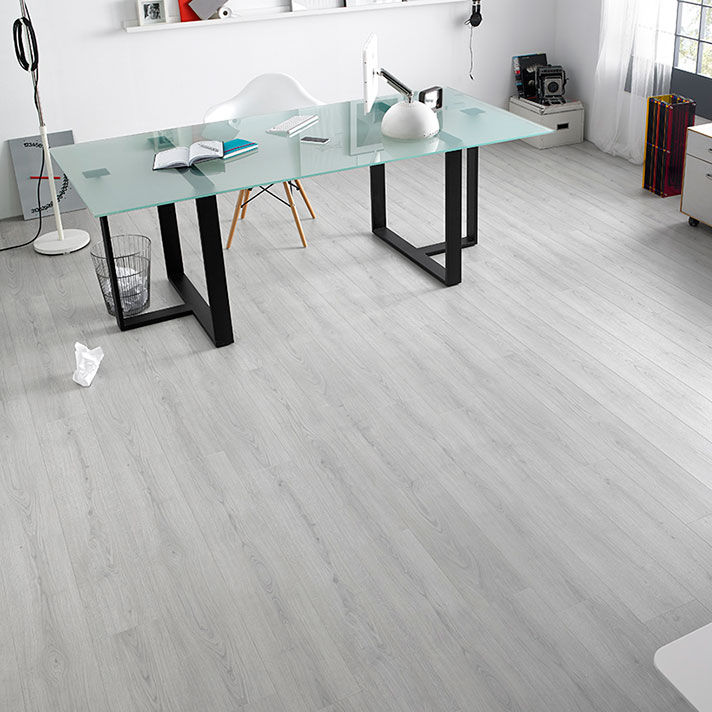 Oak Laminate Flooring / Floating / For Domestic Use / Commercial   ROBLE  HADES