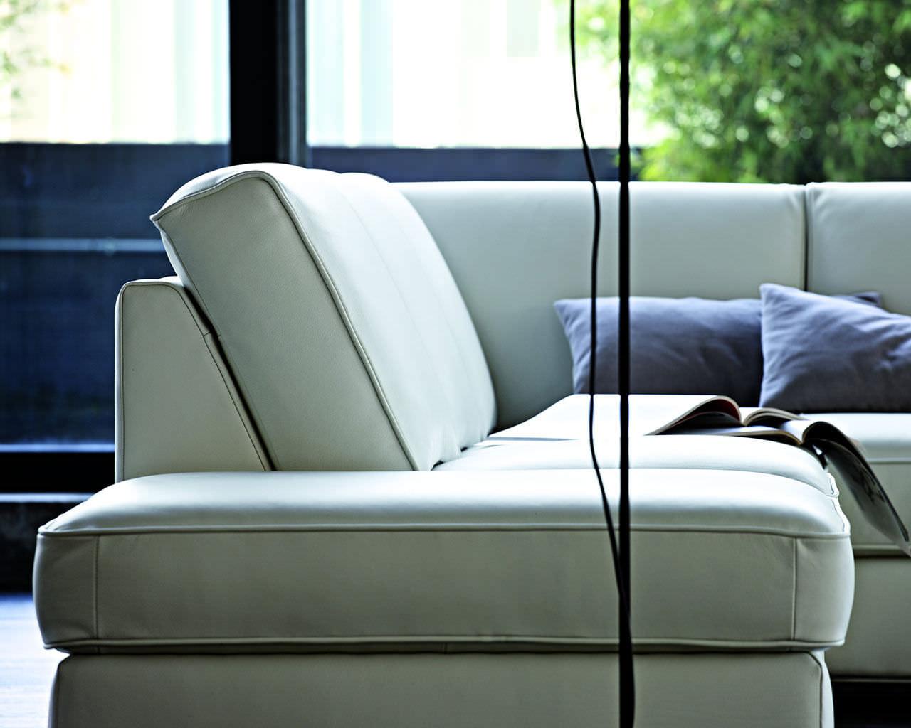 Corner sofa / contemporary / leather / 3-seater - VINCENT - Doimo Sofas
