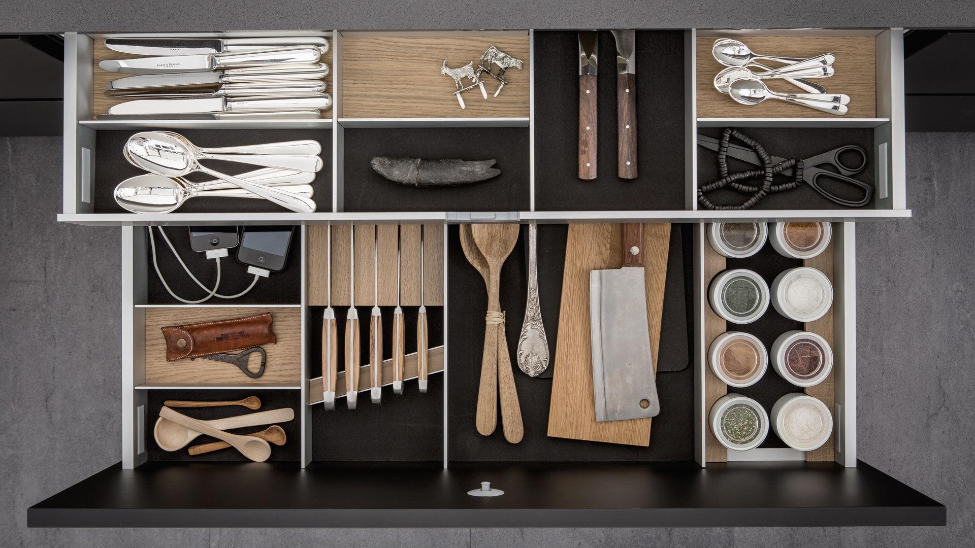 Contemporary kitchen island URBAN SE 8008 LM SIEMATIC