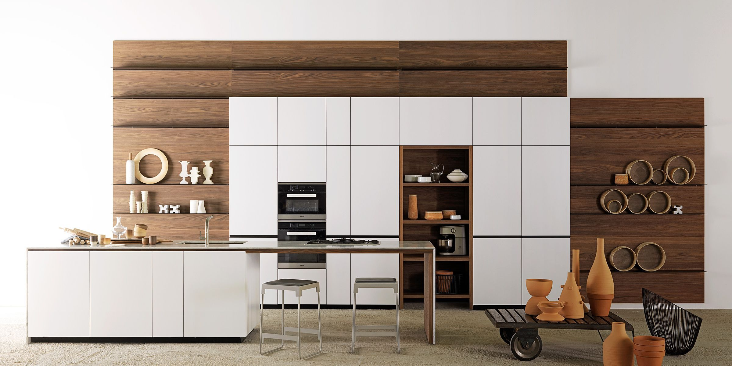 Contemporary Kitchen Lacquered Wood Island Handleless Forma