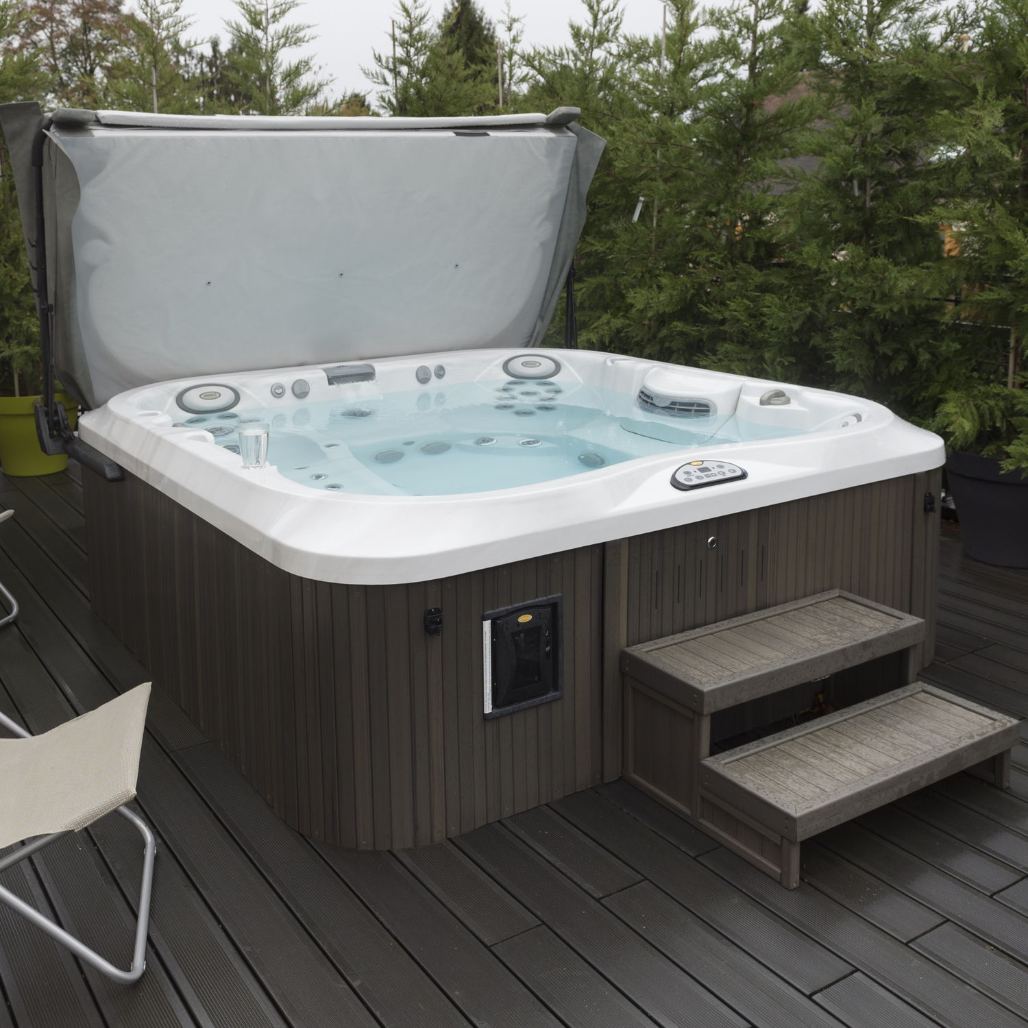 Superior Above Ground Hot Tub / Square / 6 Seater / Outdoor   J 375™