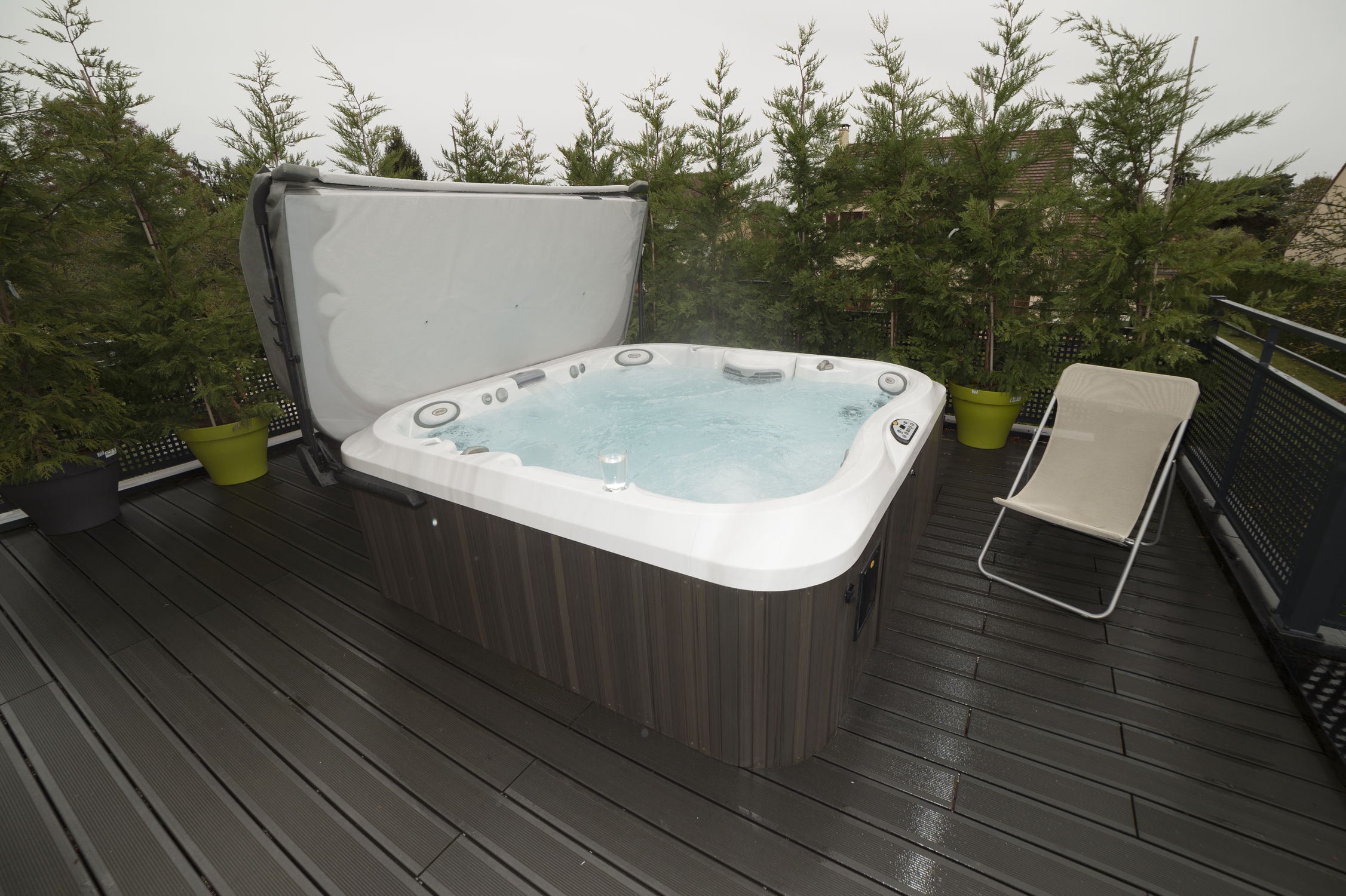 Above-ground hot tub / square / 6-person / outdoor - J-375 - Jacuzzi ...