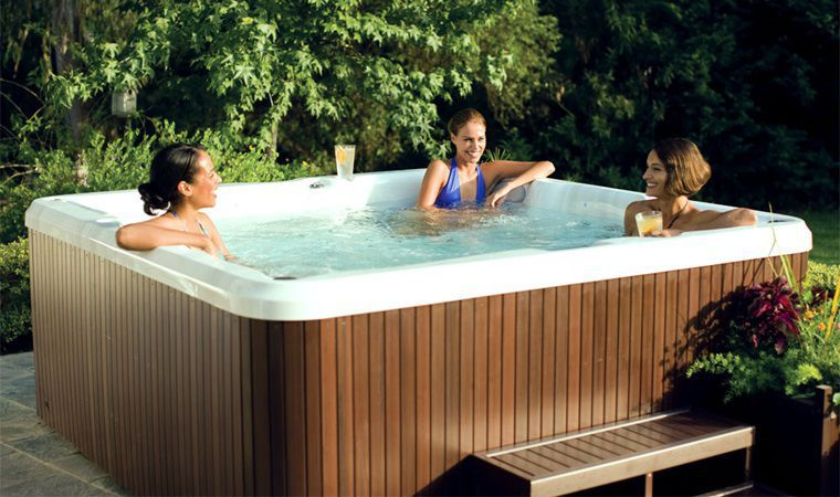 Above-ground hot tub / square / 6-seater / outdoor - J-275 ...