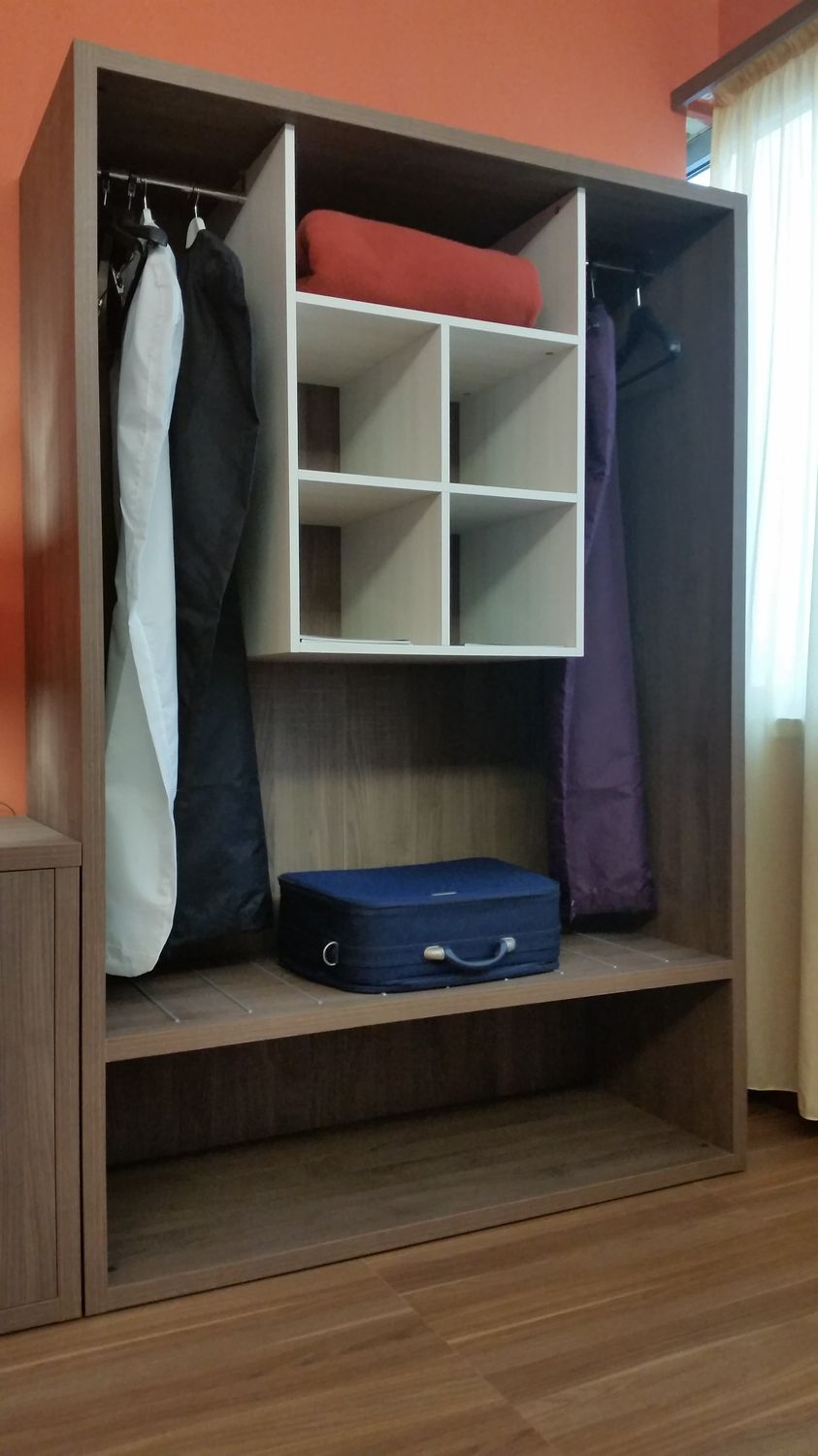 Wall Mounted Wardrobe / Contemporary / Melamine / For Hotels   HOTEL  ROOMS/OPEN CLOSET WITH CENTRAL ELEMENT/AR101