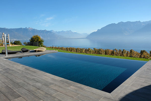 In Ground Swimming Pool Wooden Overflow Tiled Piscine A