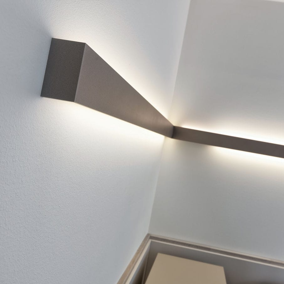 Surface mounted lighting profile / wall-mounted / LED / fluorescent ...