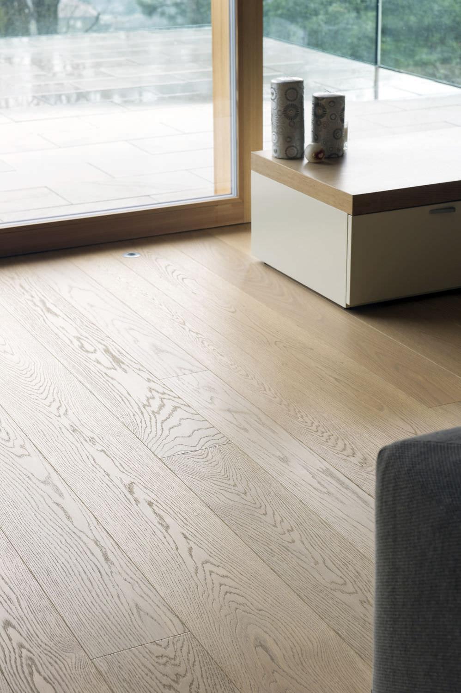 Engineered Parquet Floor Glued Oak Varnished European Elegance