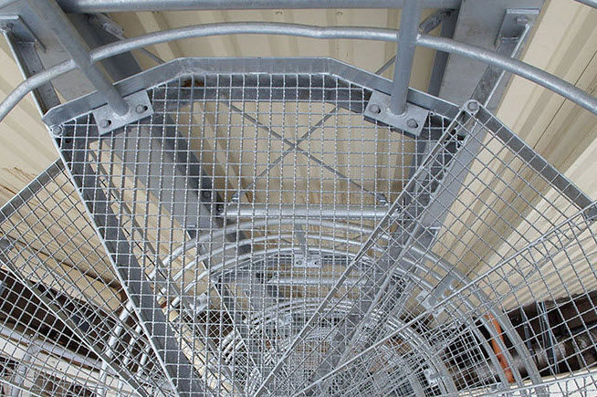 Spiral Staircase / Metal Steps / Metal Frame / Without Risers   INDUSTRIAL