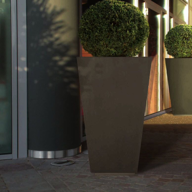Metal Planter / Square / Contemporary / For Public Spaces   LOUNGE