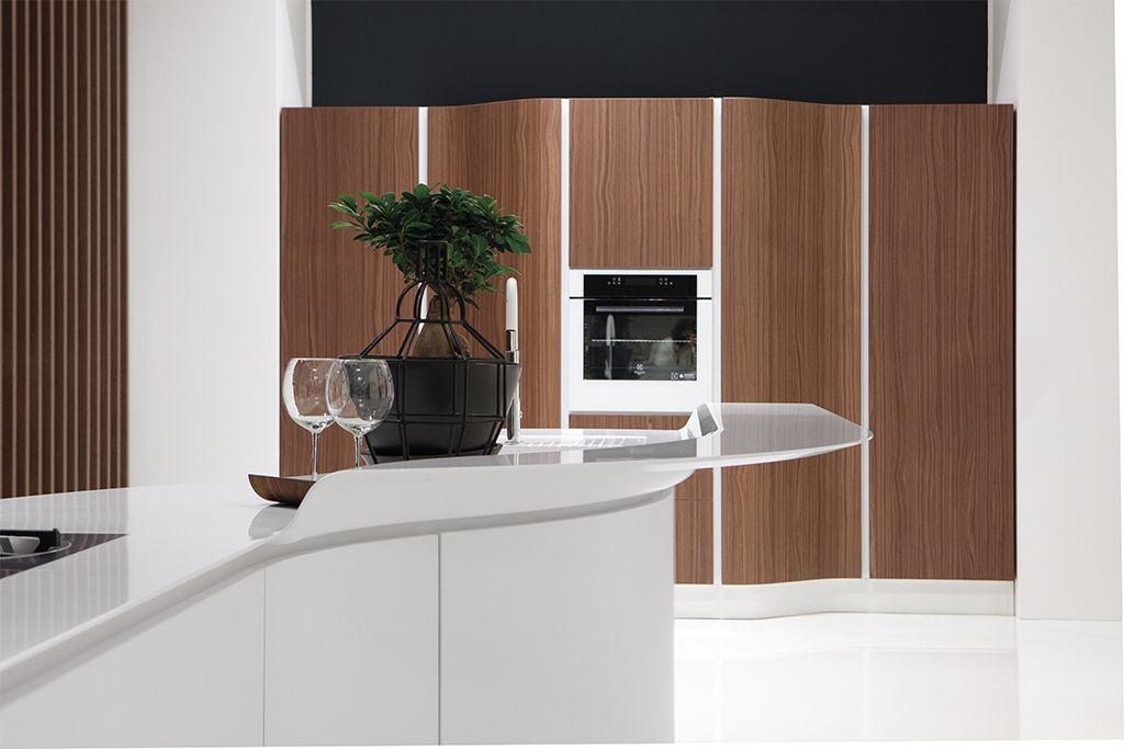 Contemporary kitchen / wood veneer / island / round - VOLARE ...