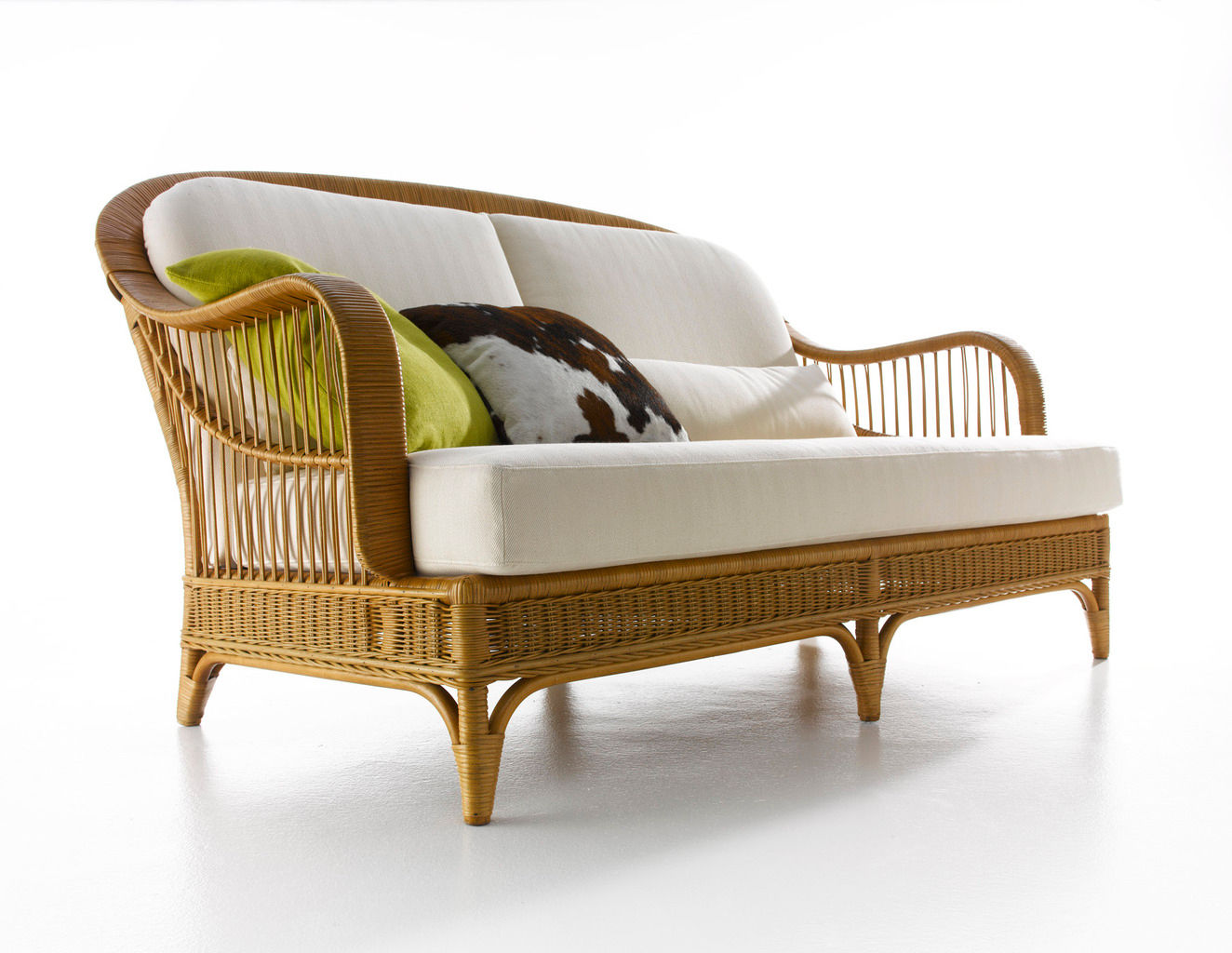 Traditional Sofa Rattan 2 Person White Arpa