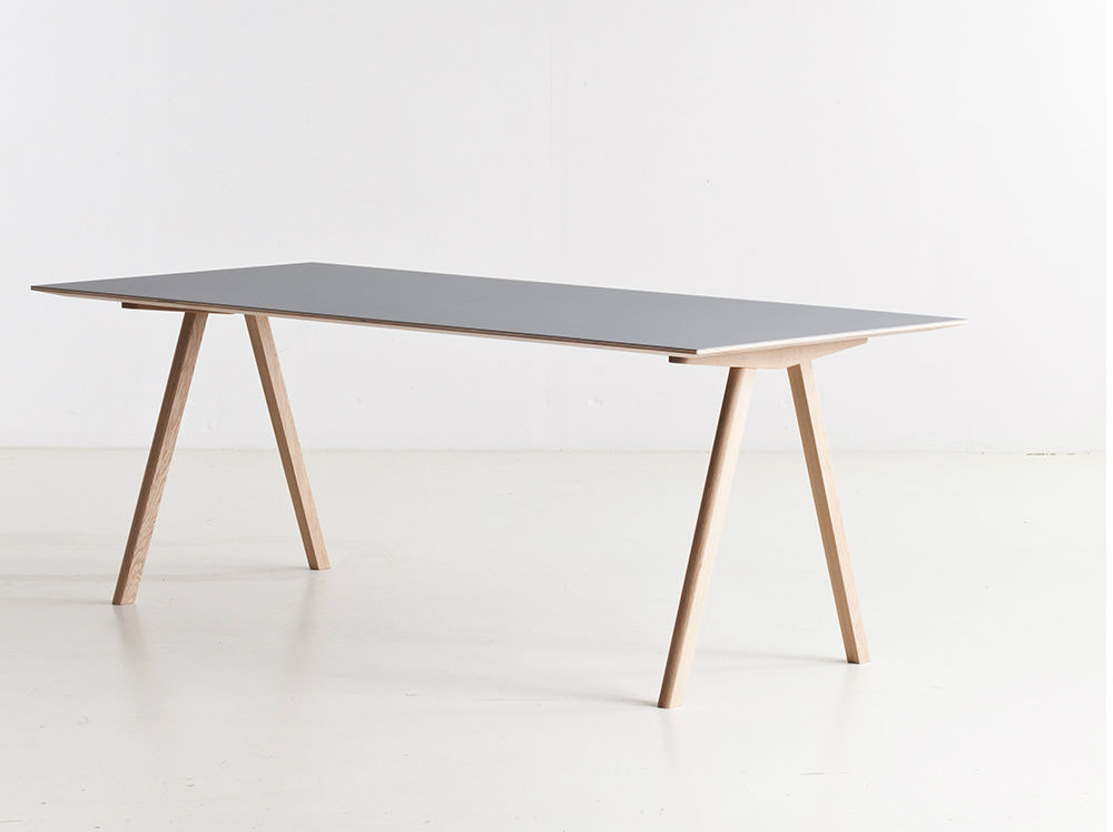 Oak desk / Scandinavian design / by Ronan & Erwan Bouroullec COPENHAGUE :