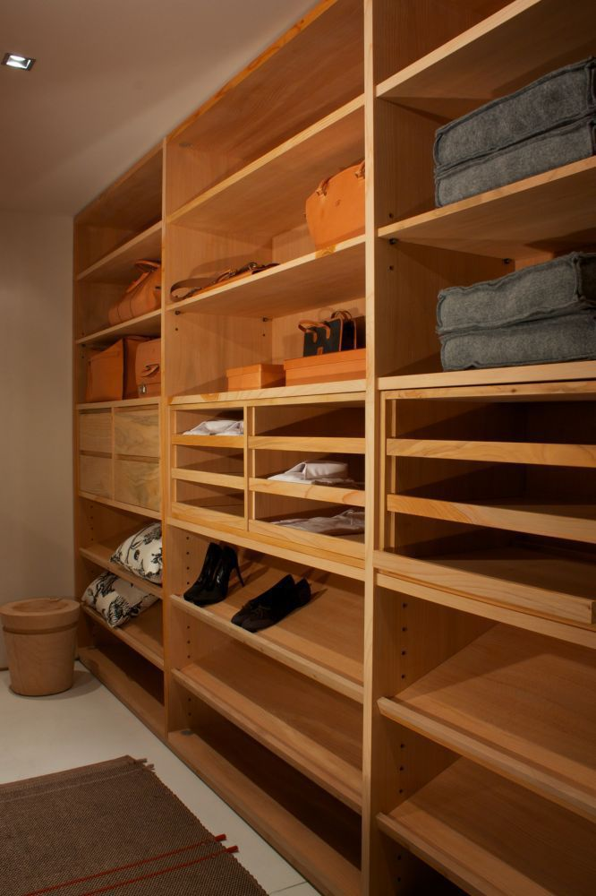 ... Corner Walk In Wardrobe / Contemporary / Cedar