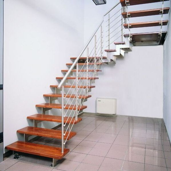 Half Turn Staircase / Metal Frame / Wooden Steps / Without Risers   LEVANTO  1 INOX