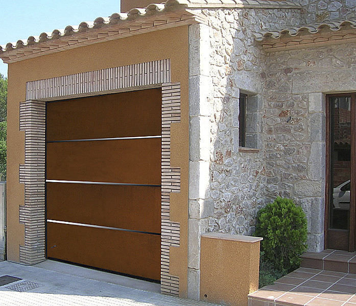Sectional Garage Door / COR TEN® Steel / Automatic   SANDWICH