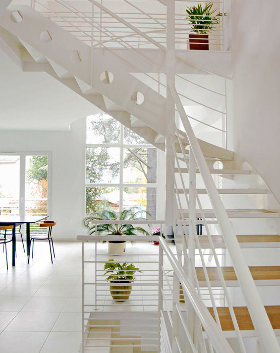 Quarter-turn staircase / metal frame / wooden steps / without risers ...