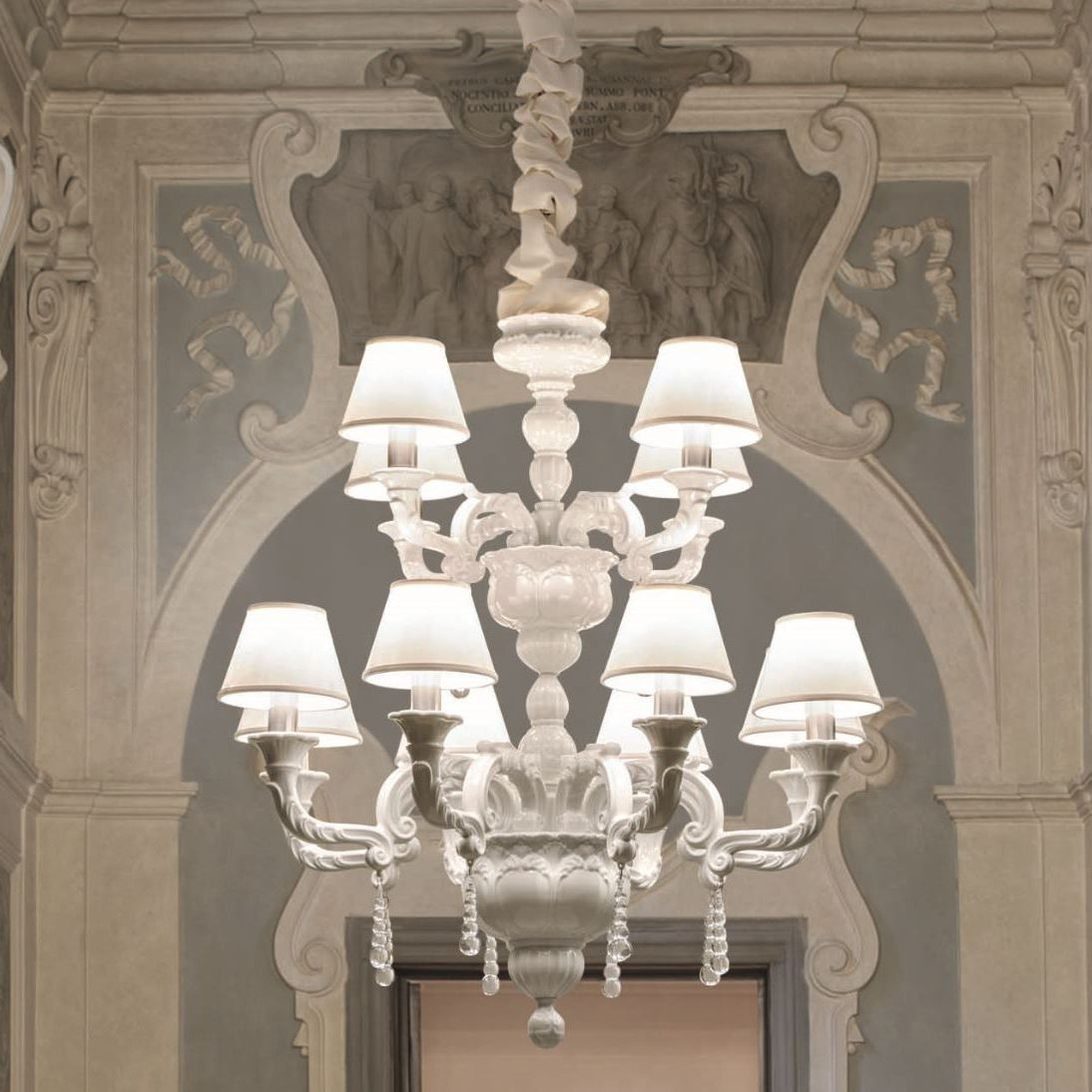 Classic chandelier silk porcelain incandescent capodimonte classic chandelier silk porcelain incandescent capodimonte le porcellane arubaitofo Images