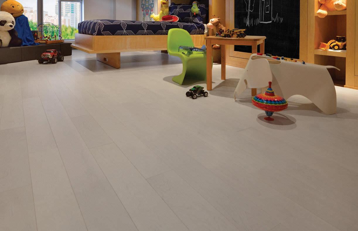 engineered parquet flooring / solid / glued / nailed - maple