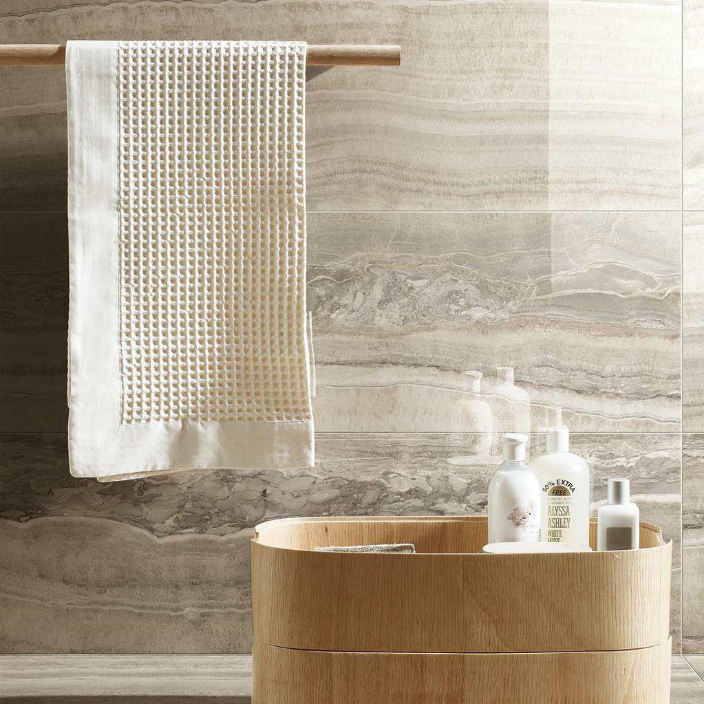 Indoor tile / wall / floor / porcelain stoneware - ONYX OF CERIM ...