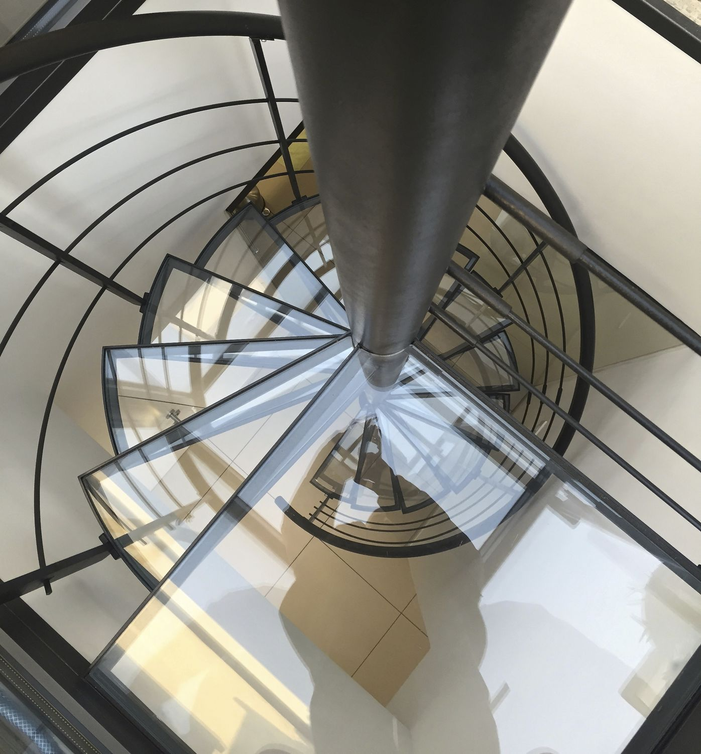 Spiral Staircase / Helical / Circular / Steel Frame   HELIX