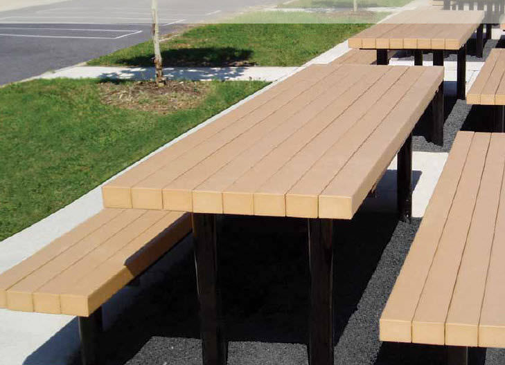 Contemporary Picnic Table / Recycled Plastic / Ipe / Powder Coated Steel    WALDEN™