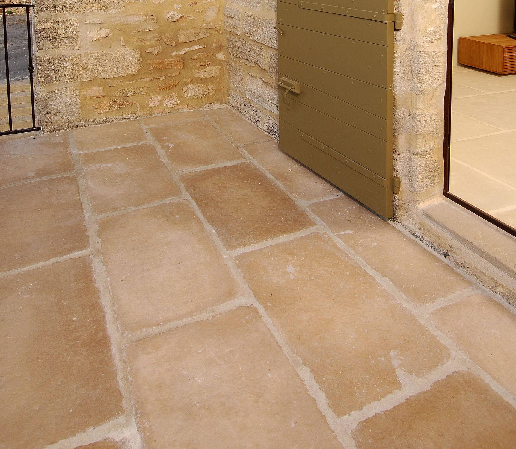 Outdoor tile / for floors / concrete / matte - EXTERIEUR VIEILLE ...