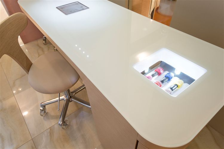 Manicure table - HIBISCUS NAILS - NILO