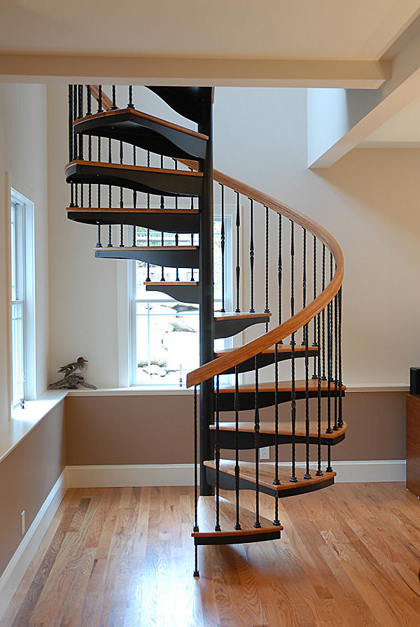 Spiral Staircase / Wooden Steps / Metal Frame / Without Risers   FI