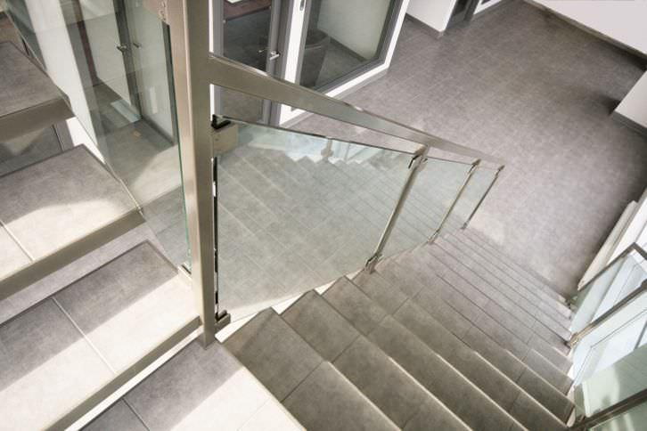 ... Quarter Turn Staircase / Ceramic Steps / Steel Frame / Without Risers  BACKBONE 002 BATTIG