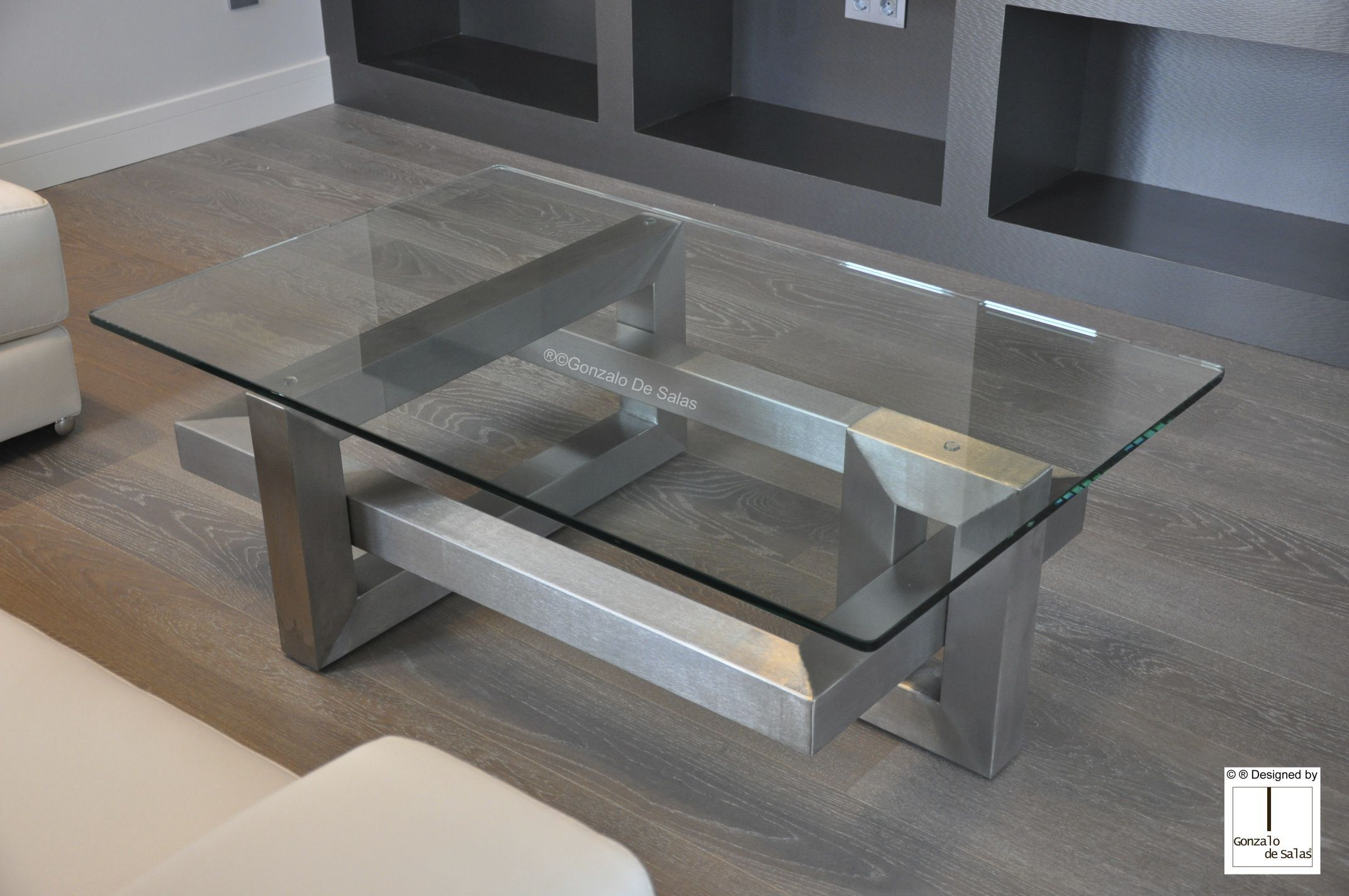 Contemporary Coffee Table Crystal Iron Lacquered Metal