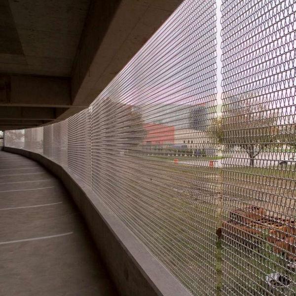 Cladding woven wire fabric / triangular mesh - COMMUNITY HOSPITAL ...