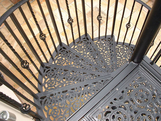 Spiral Staircase / Metal Steps / Metal Frame / With Risers WITH WROUGHT IRON  BALUSTERS British ...