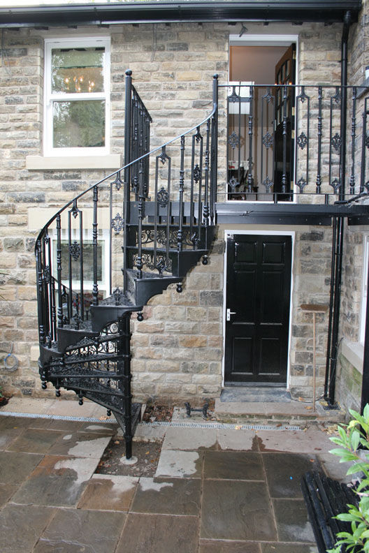 Spiral Staircase / Metal Steps / Metal Frame / With Risers WITH DECORATIVE  FASCIA British Spirals ...