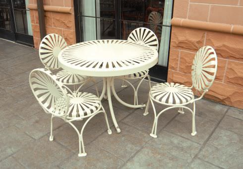 Contemporary table and chair set / metal / outdoor / for public ...