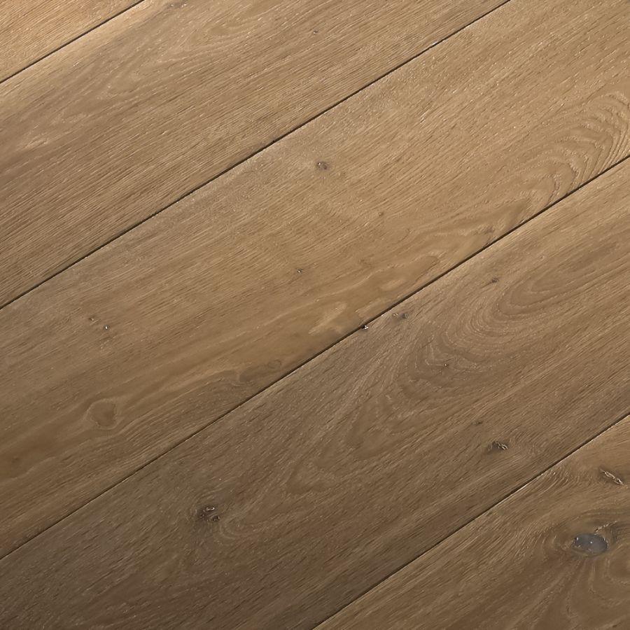 ultra grizzly can lvp c liquidators tranquility scene flooring oak floors room lumber rs bay