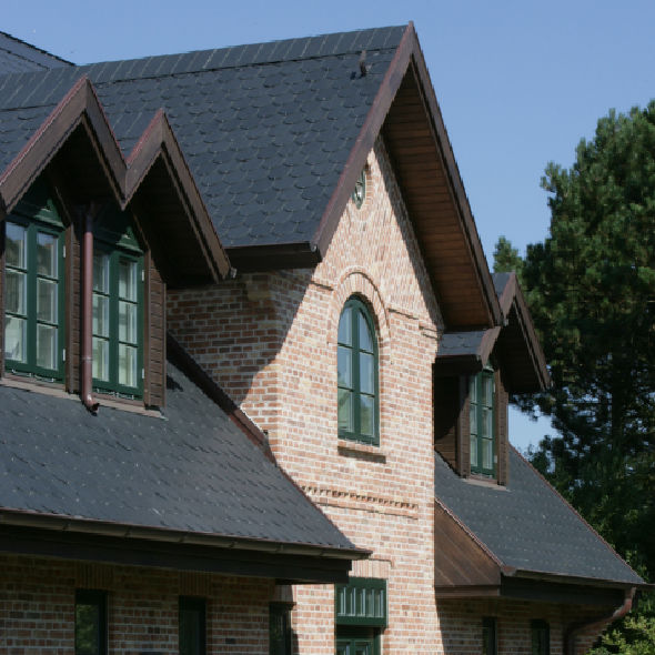 Slate roofing / roof tile look - DECORATIVE WITH COQUETTES