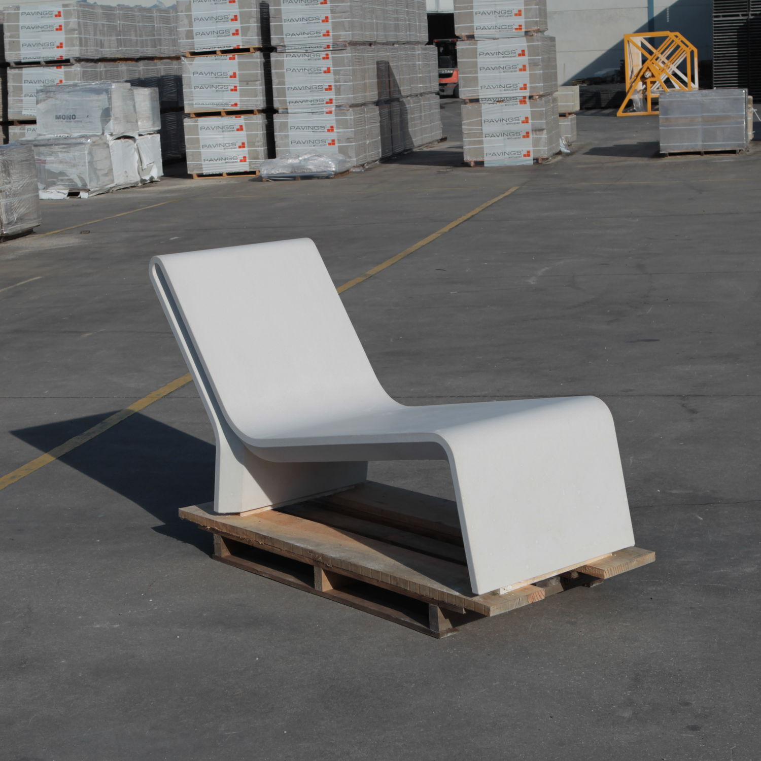 Contemporary Chaise Longue / Concrete / Outdoor / For Public Areas   AR  PURO By Daniel Caramelo