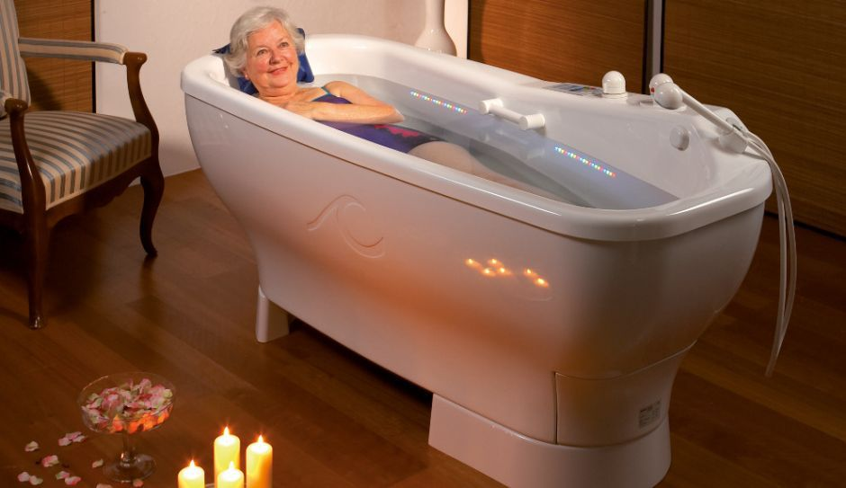 Free-standing bathtub / oval / acrylic / medical - VIS À VIS & SOLE ...