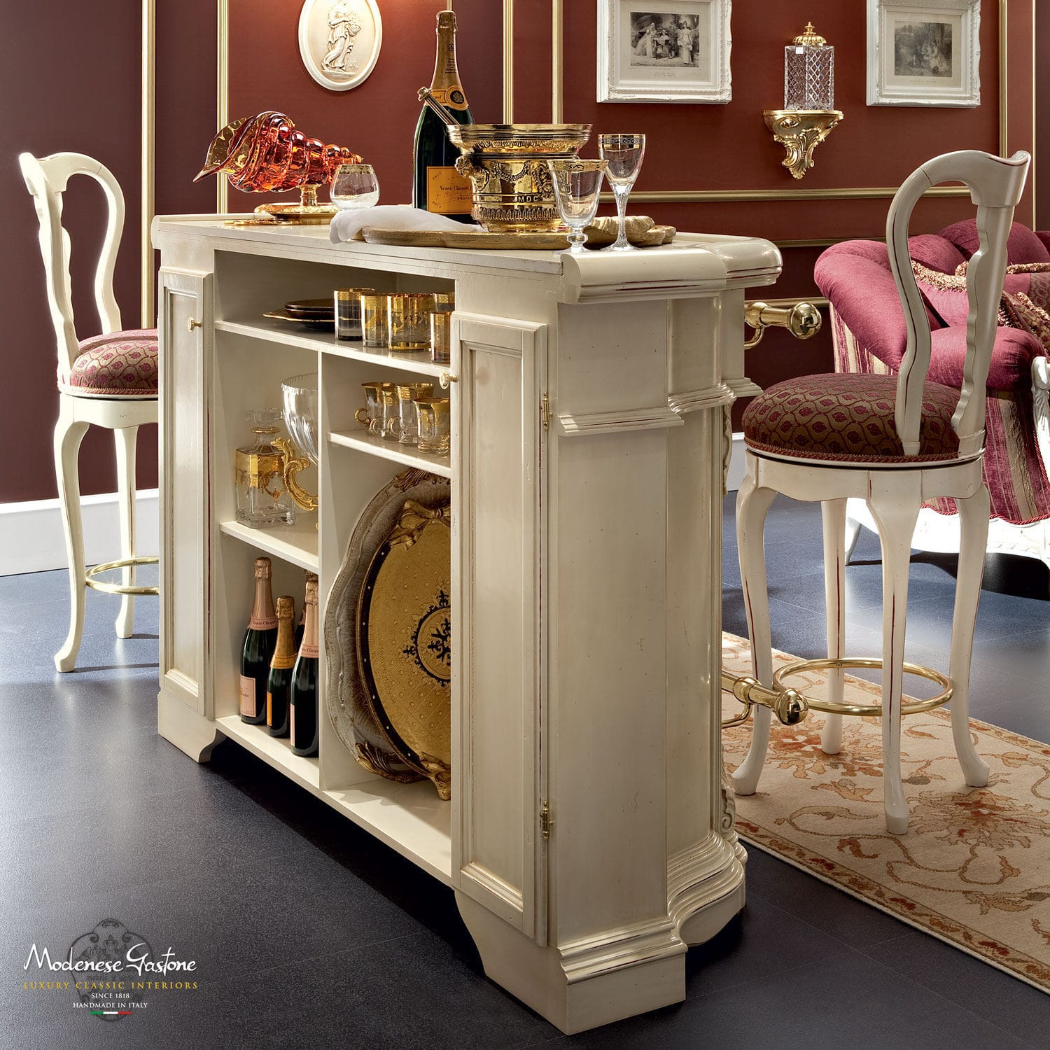 Classic Bar Cabinet / Wooden / White ...